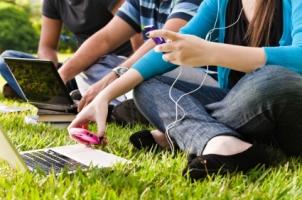7 Reasons Teens Get in Trouble Online